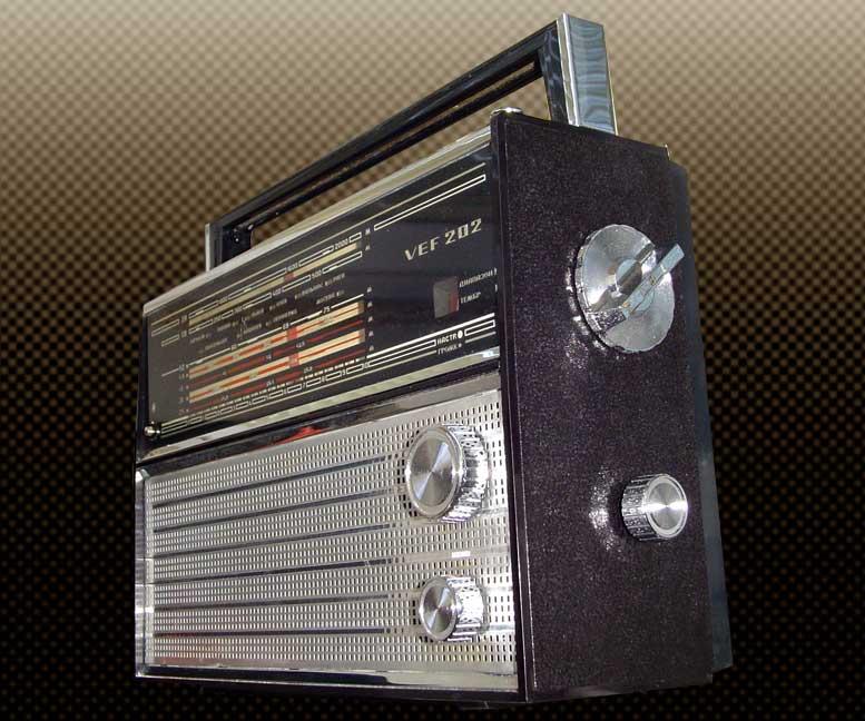 Левая колонка магнитофона и
